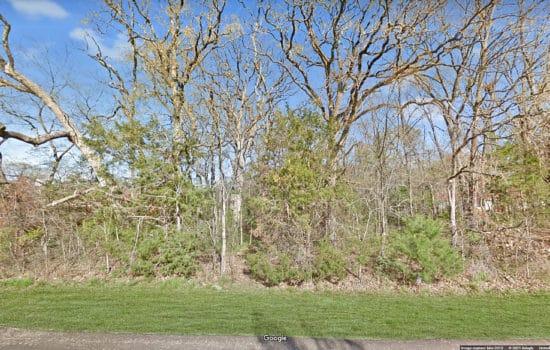 Huge 1.0287-Acre Wooded Lot in Great Neighborhood